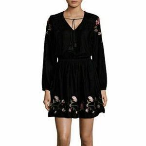 a.n.a Black Embroidered Velvet Dress L